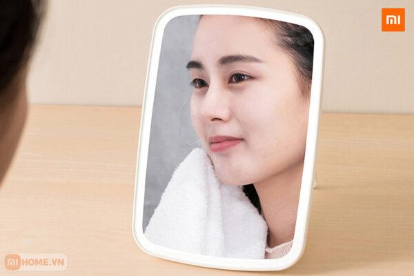 Guong trang diem tich hop den led xiaomi 4